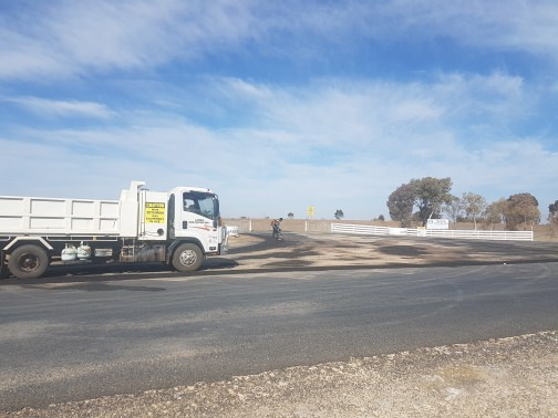 Asphalt Roads & Driveways, Bitumen Roads Newcastle, Bitumen Driveways Newcastle, Dubbo, Goulburn, Sydney, Hunter Valley